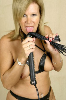 mature-escort-west-midlands-g108